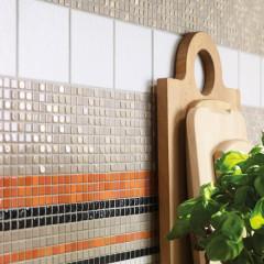 Bunte Mosaikfliesen für die Küche beleben Wandflächen