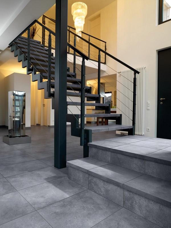 fliesen sind der ideale bodenbelag f r flur und eingang. Black Bedroom Furniture Sets. Home Design Ideas