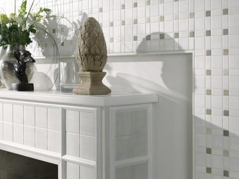 Markenhersteller bieten spezielle Formteile an, mit denen zum Beispiel Wand- oder Kaminsimse verkleidet werden können. Die keramische Oberfläche ist dabei ausgesprochen robust und dauerhaft schön. © Deutsche Fliese / Jasba