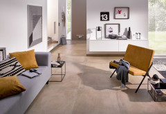 Modernes Wohnzimmer mit Cotto-Fliesen