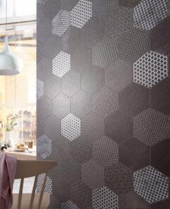 Fliesenspiegel mit Hexagonfliesen