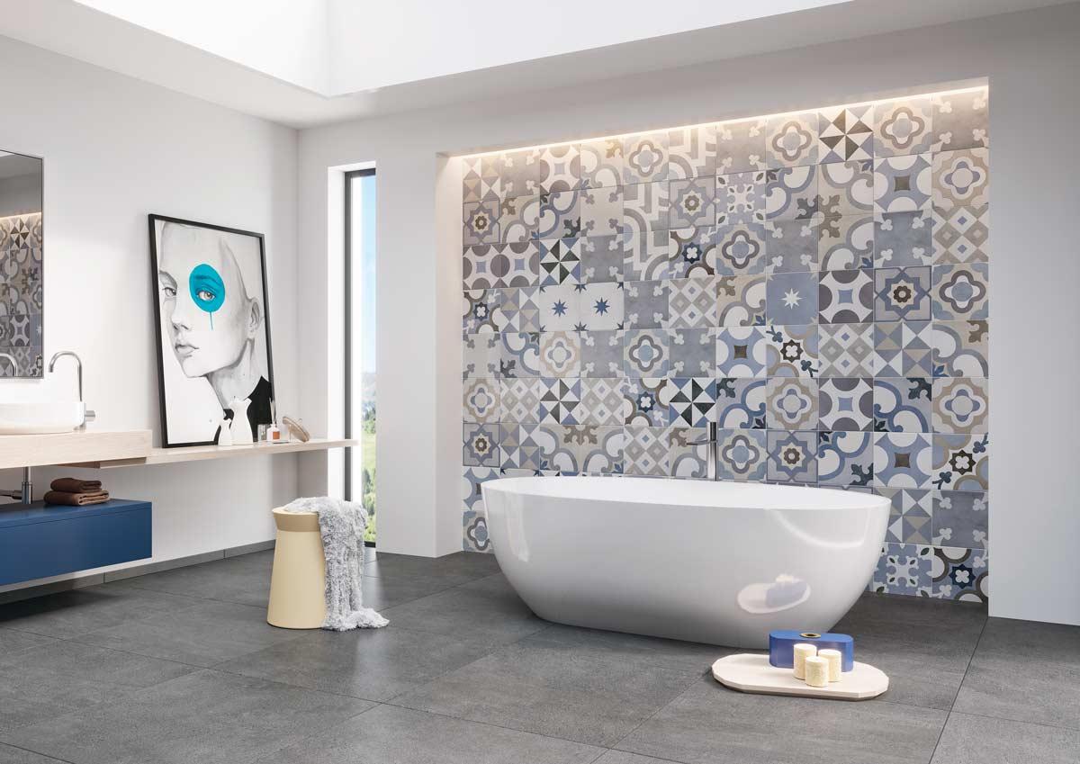 Bodenfliesen im Bad mit Zement-Look und freistehender Badewanne